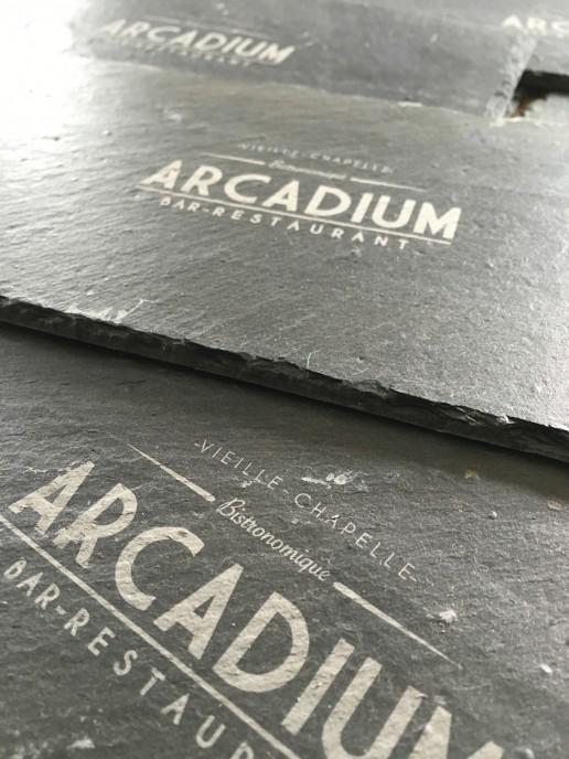 Des ardoises personnalisés pour votre restaurant grâce à la gravure laser